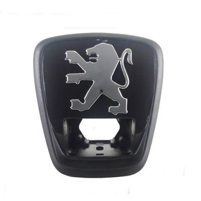 8726K9-emblema-tampa-mala-original-peugeot-306-leao-com-relevo-01